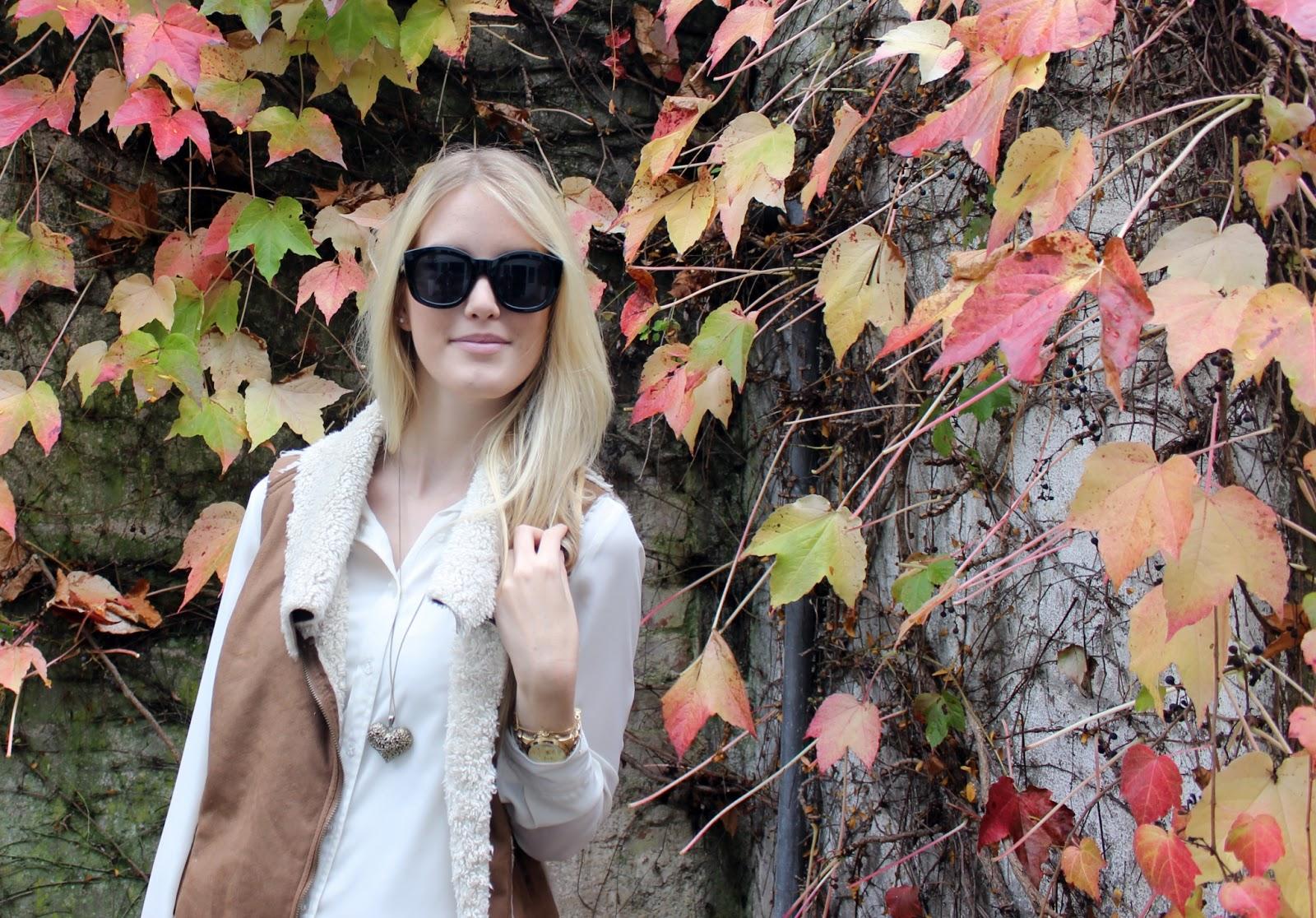 TheBlondeLion Outfit LeSpecs Sunglassesshop Sonnenbrille Lammweste