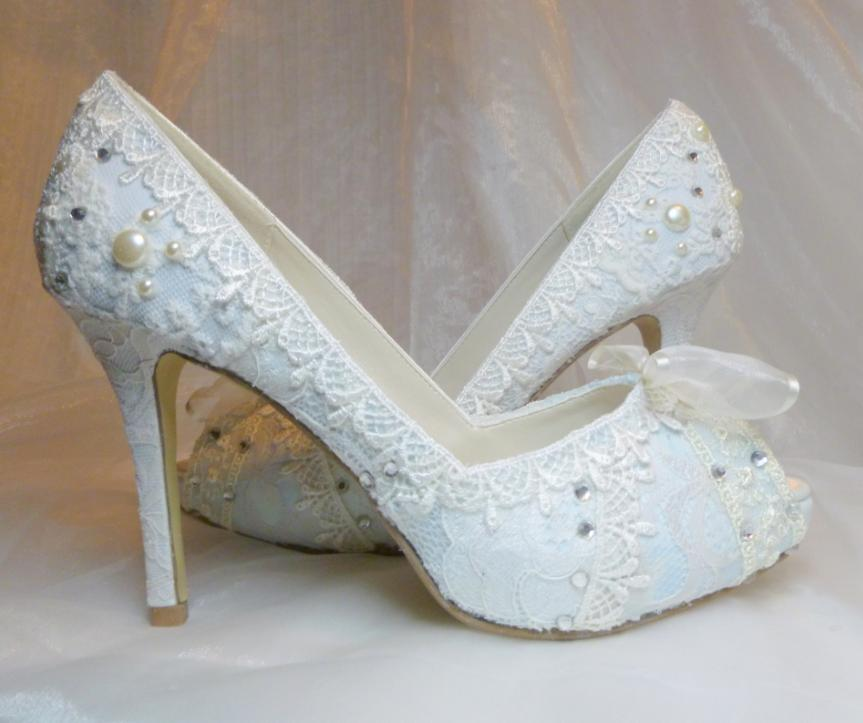 Marvelous For The Girls That Canu0027t Or Donu0027t Like To Wear Pumps! Most Of Their White  Pretties Have A Baby Blue Sole Too!
