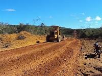 Gentio do Ouro – Inicio da restauração na estra vicinal que liga Gentio do Ouro a Ipupiara: