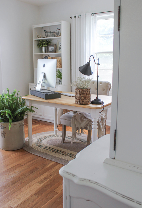 Reader Space Home Office from IHeart Organizing [Weekly Round-Up at High-Heeled Love]