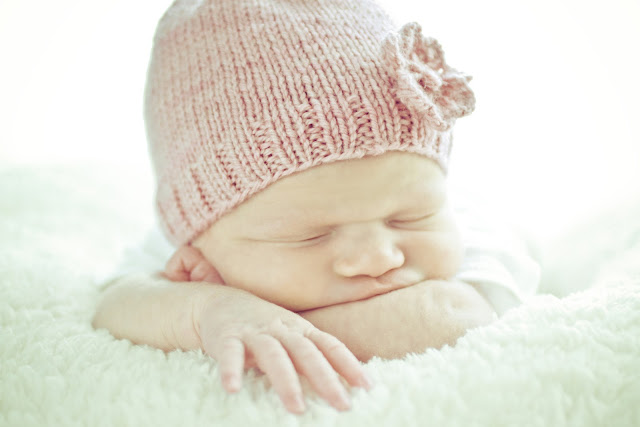 A Newborn Session by Kelly Is Nice Photography | www.kellyisnice.com