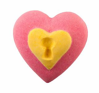 http://1.bp.blogspot.com/-BubW-_AtDE0/Us05uKHZ8EI/AAAAAAAAChg/JkKAC6LYxaE/s1600/Love%2BLocket%2Bbath%2Bballistic%2B-%2BLUSH.jpg