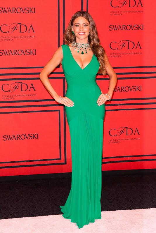 Sofia Vergara cleavage in a green gown