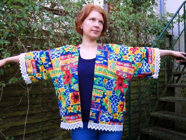 Here comes the Kat: It\'s done: two Kimono Jackets by Sew Caroline