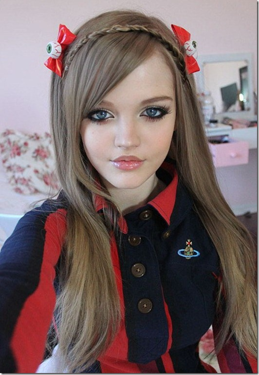 16-year-old American Girl Is The Live Version Of Barbie Doll