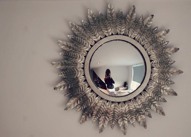 interiors-mirror