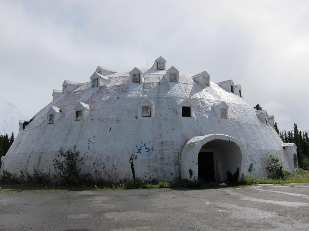 deserted places an abandoned igloo hotel in alaska. Black Bedroom Furniture Sets. Home Design Ideas