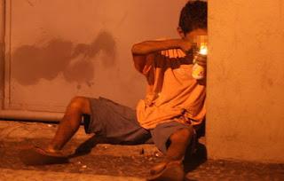Número de usuários de crack diminuiu na avenida Brasil, diz governo do Rio