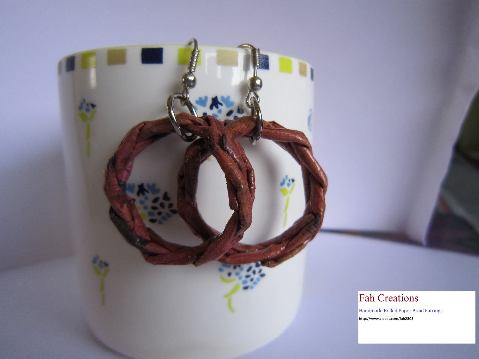 http://1.bp.blogspot.com/-BvjaofdCj54/TpLrcY17-ZI/AAAAAAAAAG4/mvX4nhxl5js/s1600/Handmade+Rolled+Paper+Braid+Earrings++4.jpg