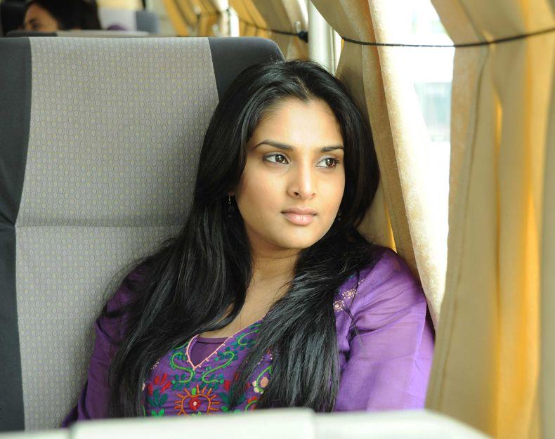 Divya Spandhana Cute Photos In Latest Movie
