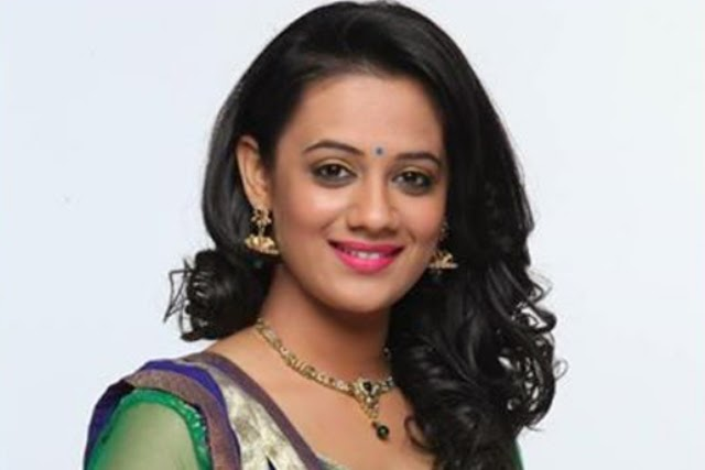 Pictures Gallery Spruha Joshi