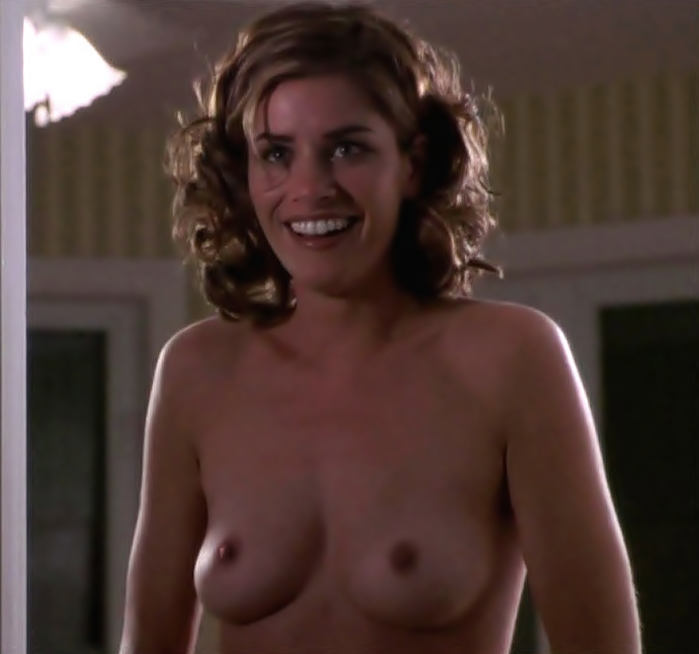 Amanda peet flashing tits 9