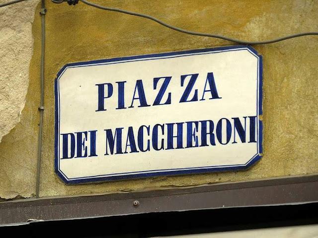 Piazza dei Maccheroni, Macaroni Square sign, Florence
