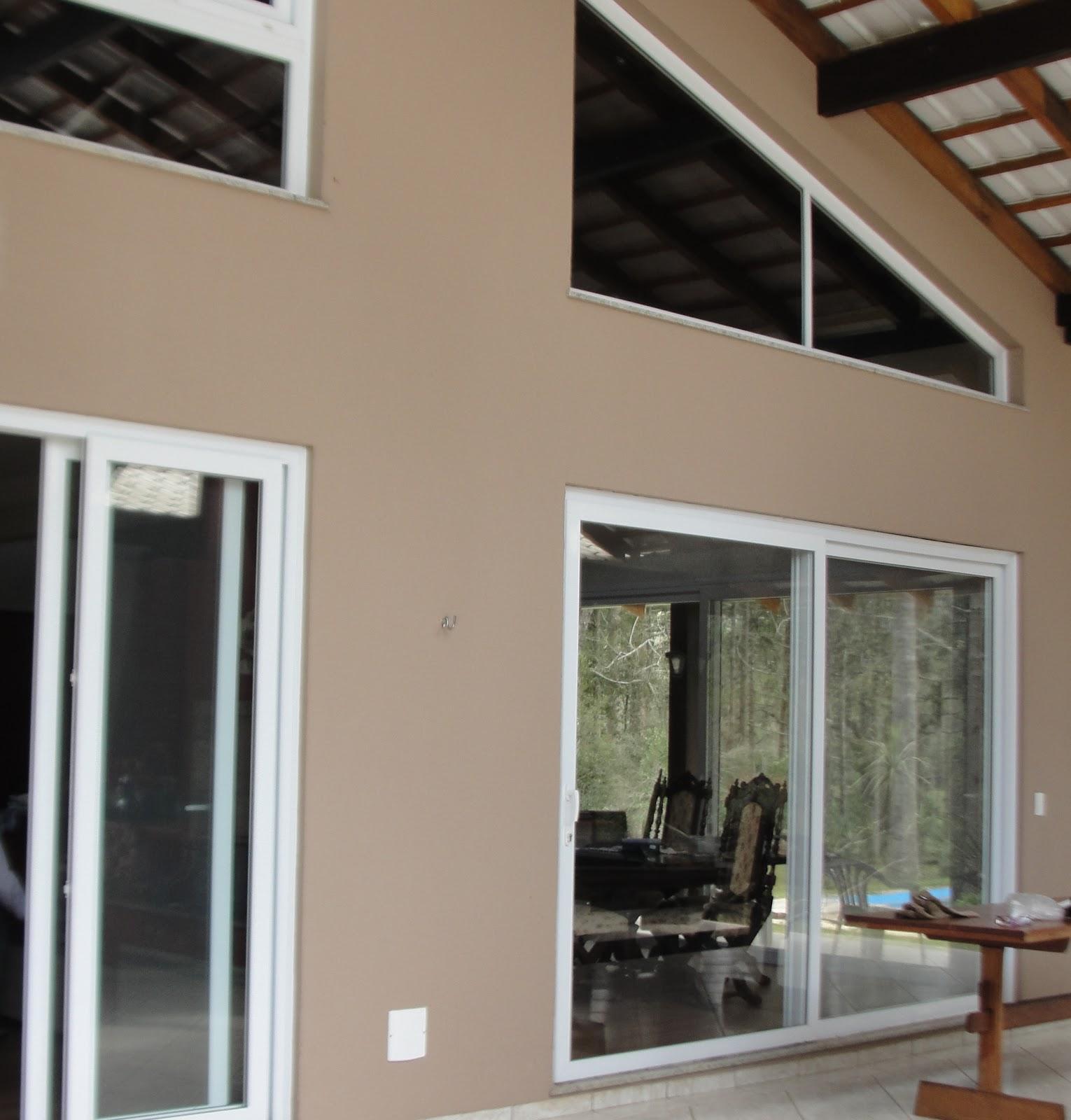 #63402B Janelas Tudo em esquadrias em PVC: Casa com portas e janelas em PVC  650 Janelas Pvc Em Almada