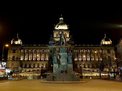 Museo Nacional en la Plaza de Wenceslao de Praga