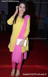 Telugu Actress Reshma At Tadakha Audio Launch