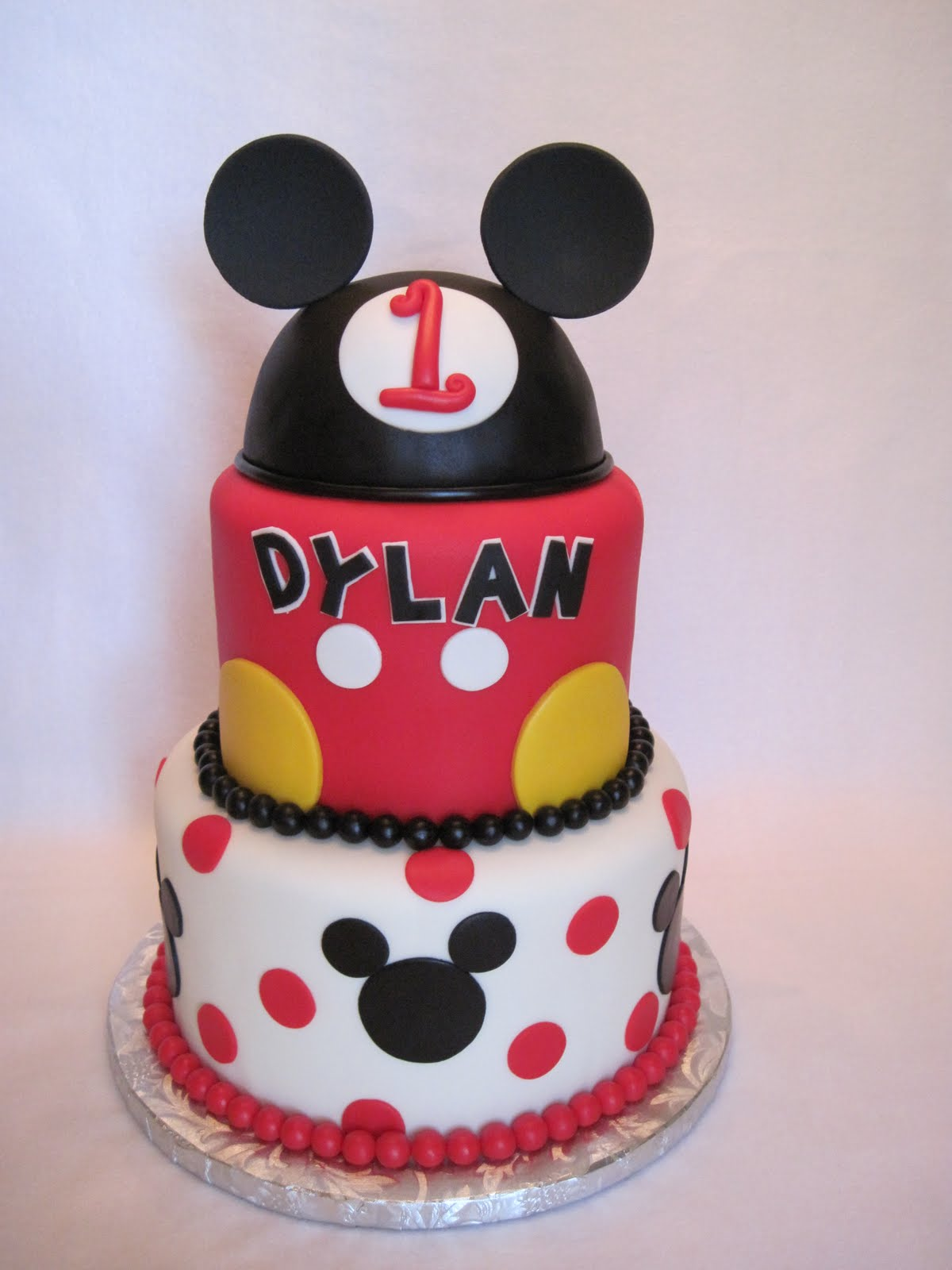 Mickey Mouse Images For Cake : Heather s Cakes and Confections: Mickey Mouse