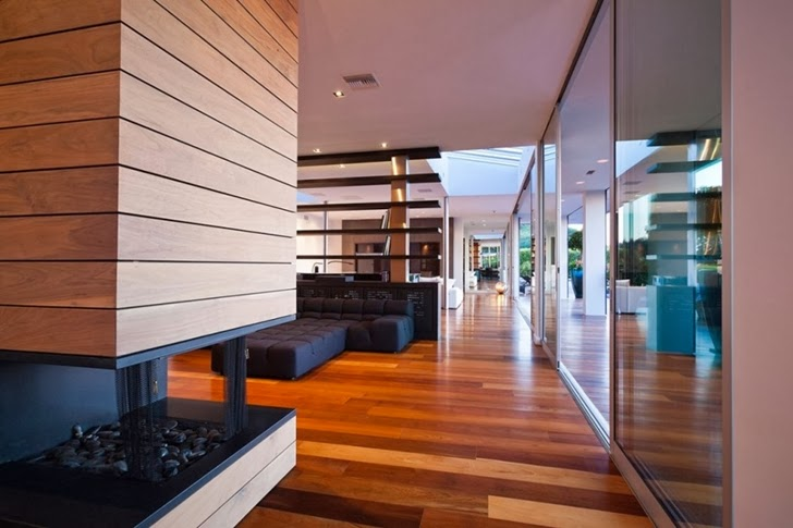 Interior of Renovated Beverly Hills House by Pablo Jendretzki