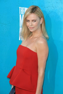 Charlize Theron Sexy Strapless Red Dress 2012 MTV Movie Awards