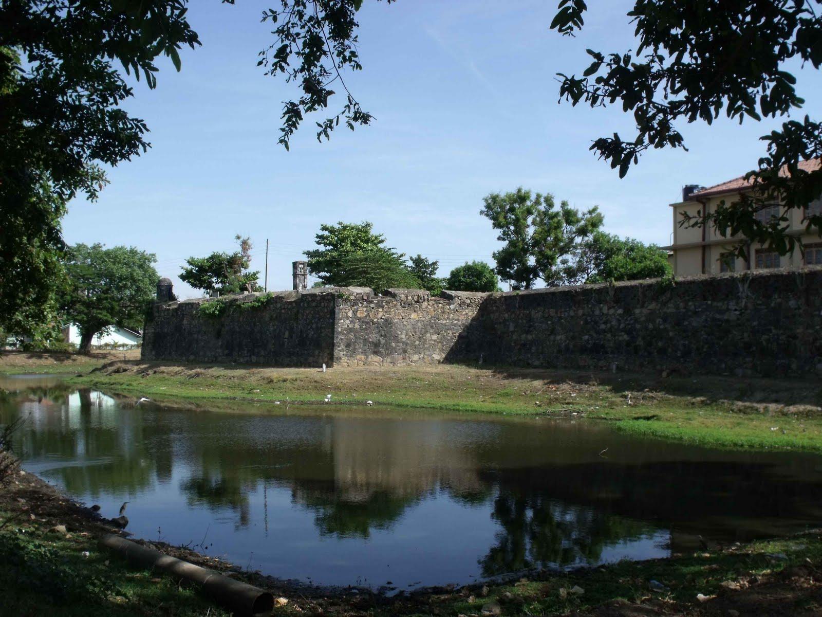 Batticaloa Sri Lanka  city photos gallery : ... of Sri Lanka on blogspot.com: Old Dutch Fort, Batticaloa, Sri Lanka