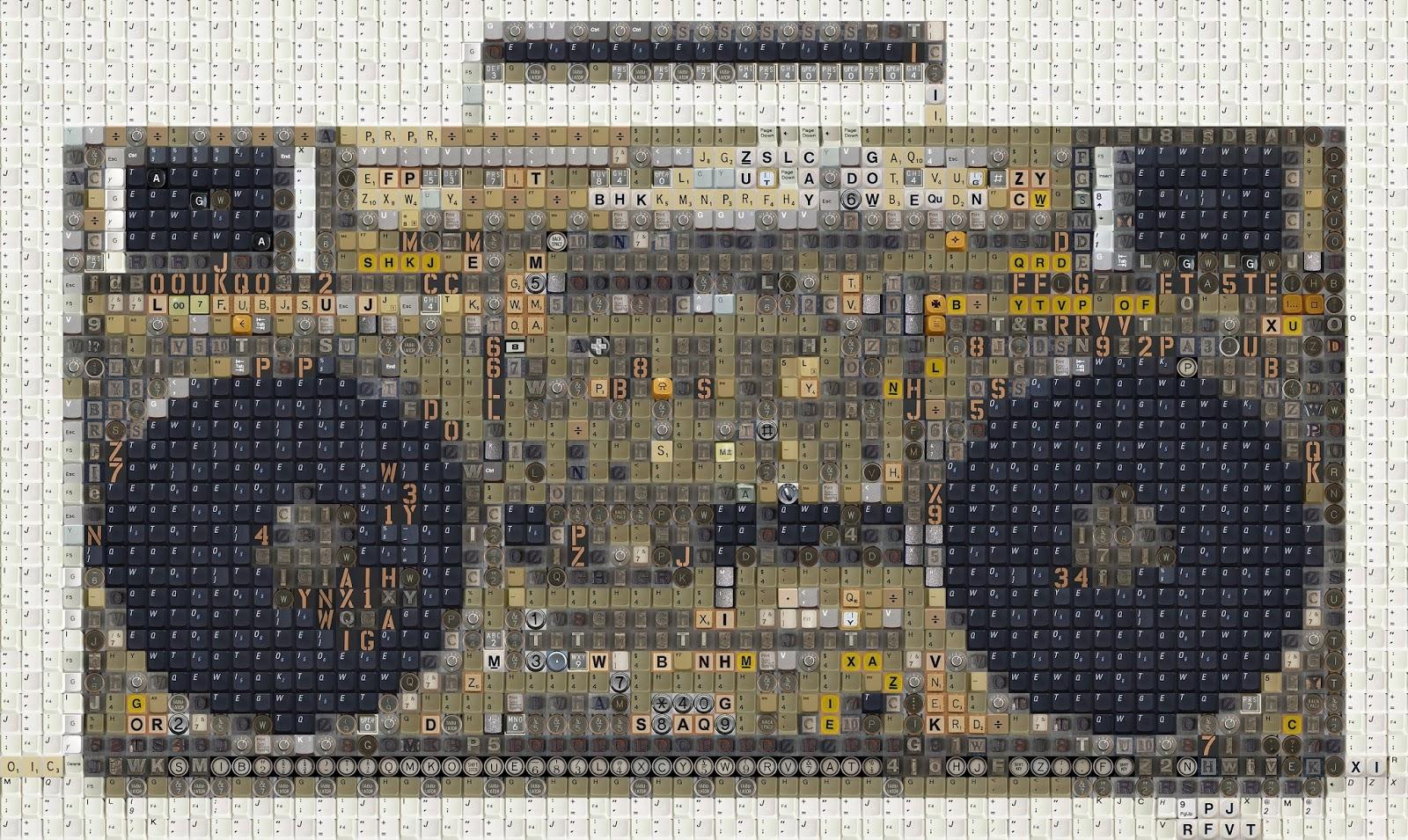 80er Elektronik - Alte Tastaturen in ein Mosaik umgearbeitet