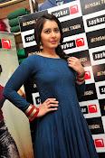 rashi khanna new sizzling pics-thumbnail-8
