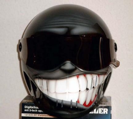 Motorradhelm streetfighter