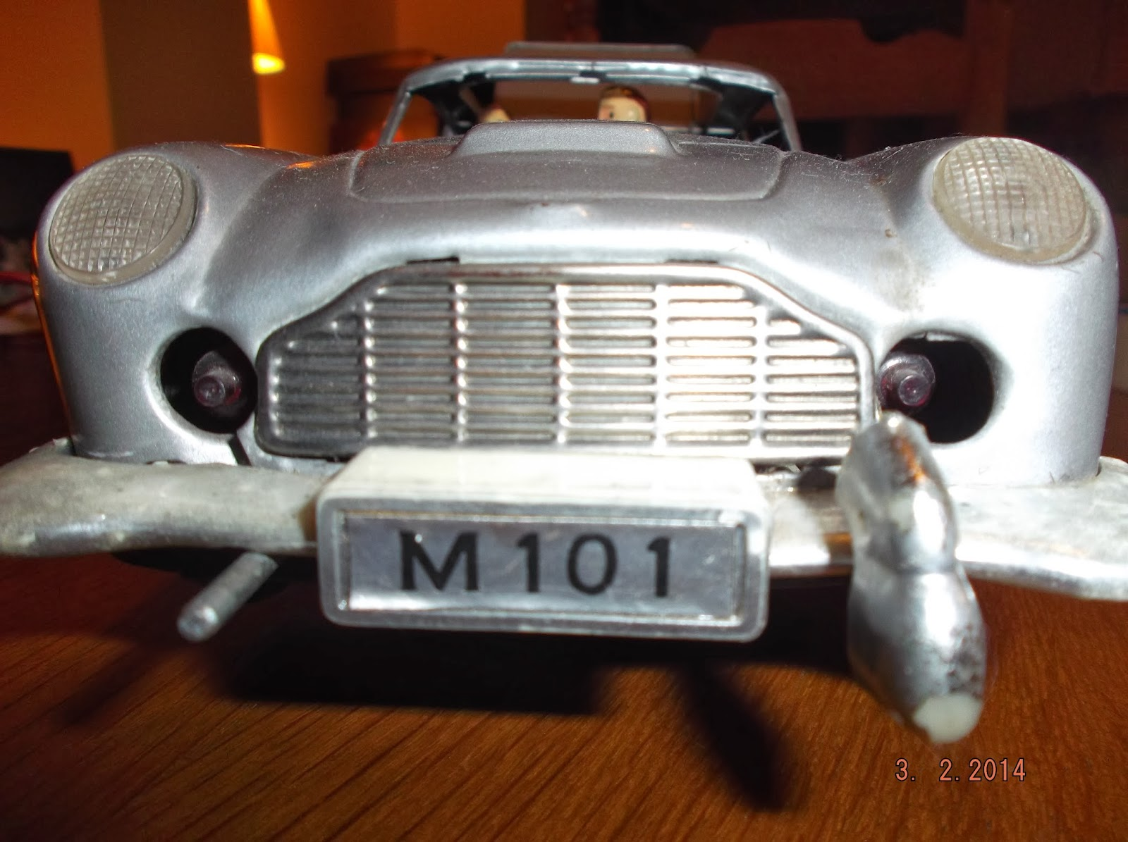 TINPLATE JAMES BOND ASTON MARTIN DB5 TOY CAR