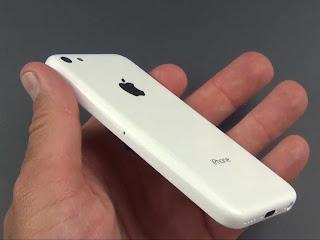 On hand Iphone 5C, plastic test