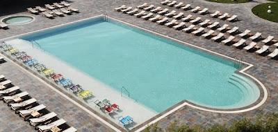 sheraton-otel-bosfor-havuz-deniz-kenarı