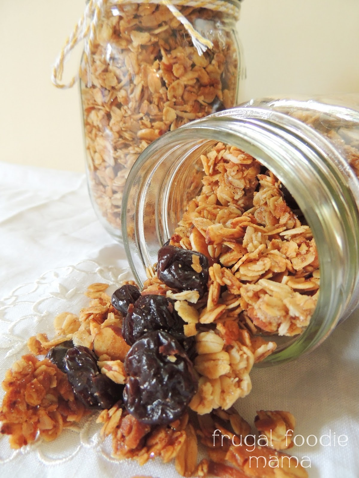 Frugal Foodie Mama: Cherry Almond Granola {The Leftovers Club}