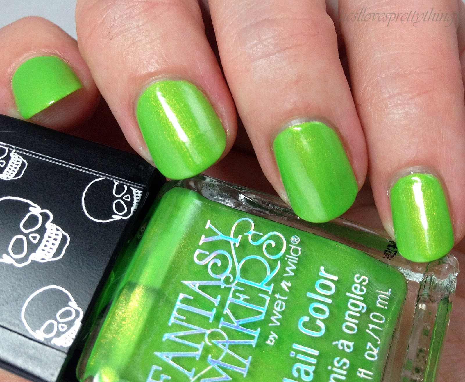 WetnWild Fantasy Makers 2014 Roach Busters swatch and review