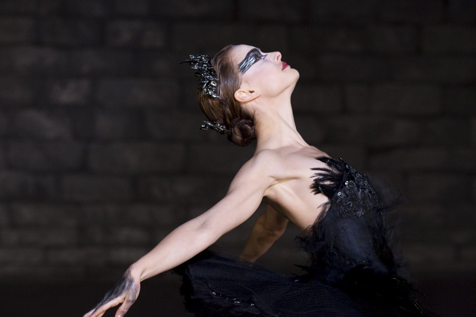 http://1.bp.blogspot.com/-By4rHAvz9jo/ThYCj_9ssPI/AAAAAAAAAaE/i02MsKRtRxA/s1600/Black-Swan-natalie-portman-17392128-2560-1707.jpg