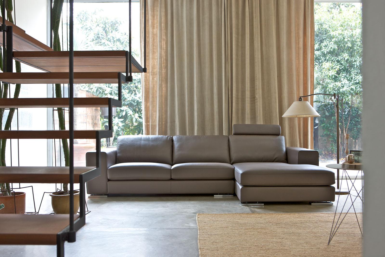 Divani e divani letto su misura divani su misura in pelle for Divani e divani pelle