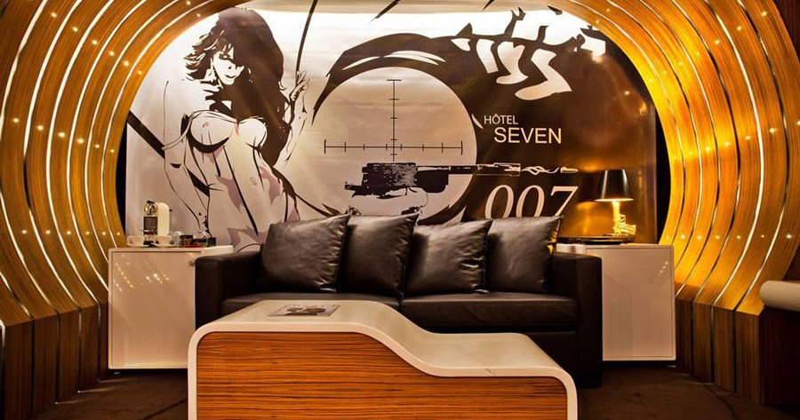 Disneyland for adults an adventurous night at hotel seven for Hotel design paris 7