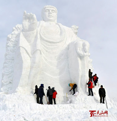 Buddha Ice Scuplptor