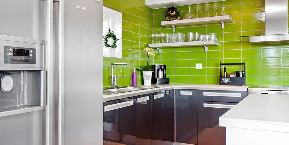 Piastrelle cucina moderna grigio ragno piastrelle giallo della