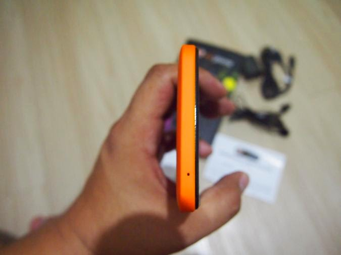MyPhone Agua Rio Unboxing, Preview And Initial Impression Bottom