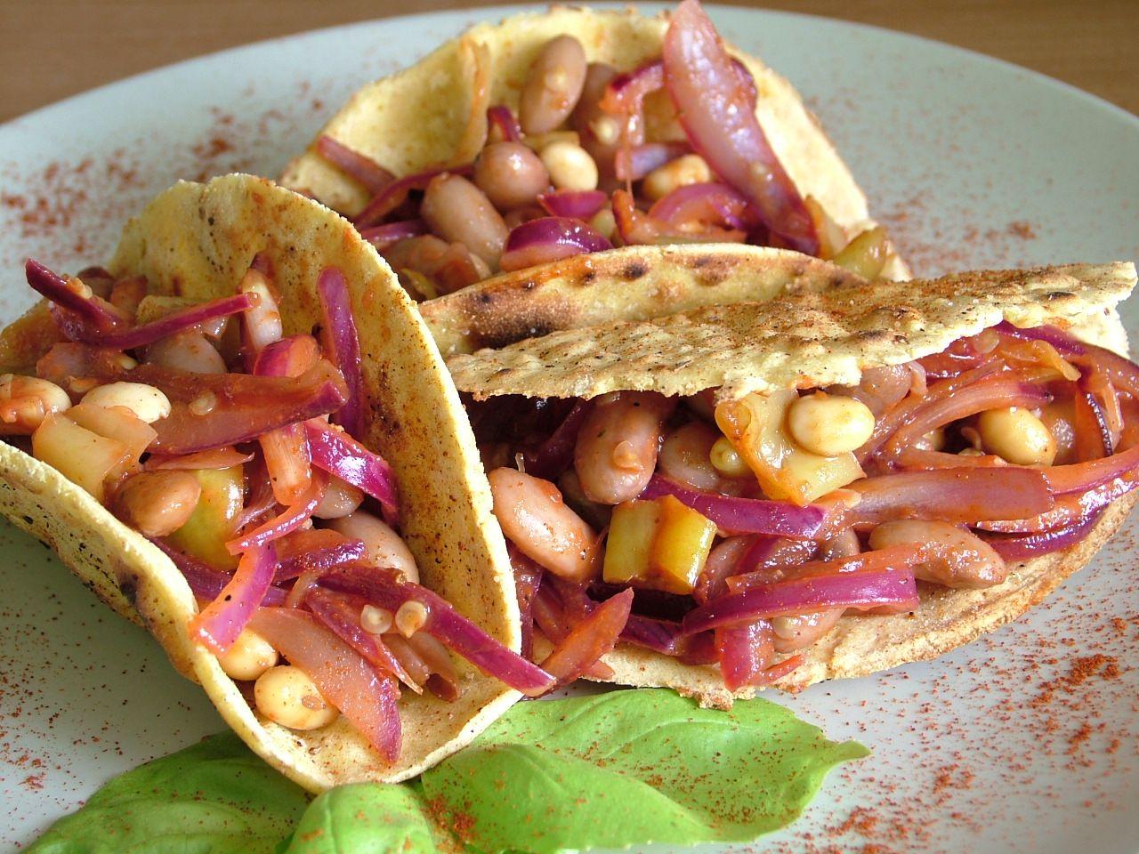 Tacos kukurydziane z pikantnymi fasolkami