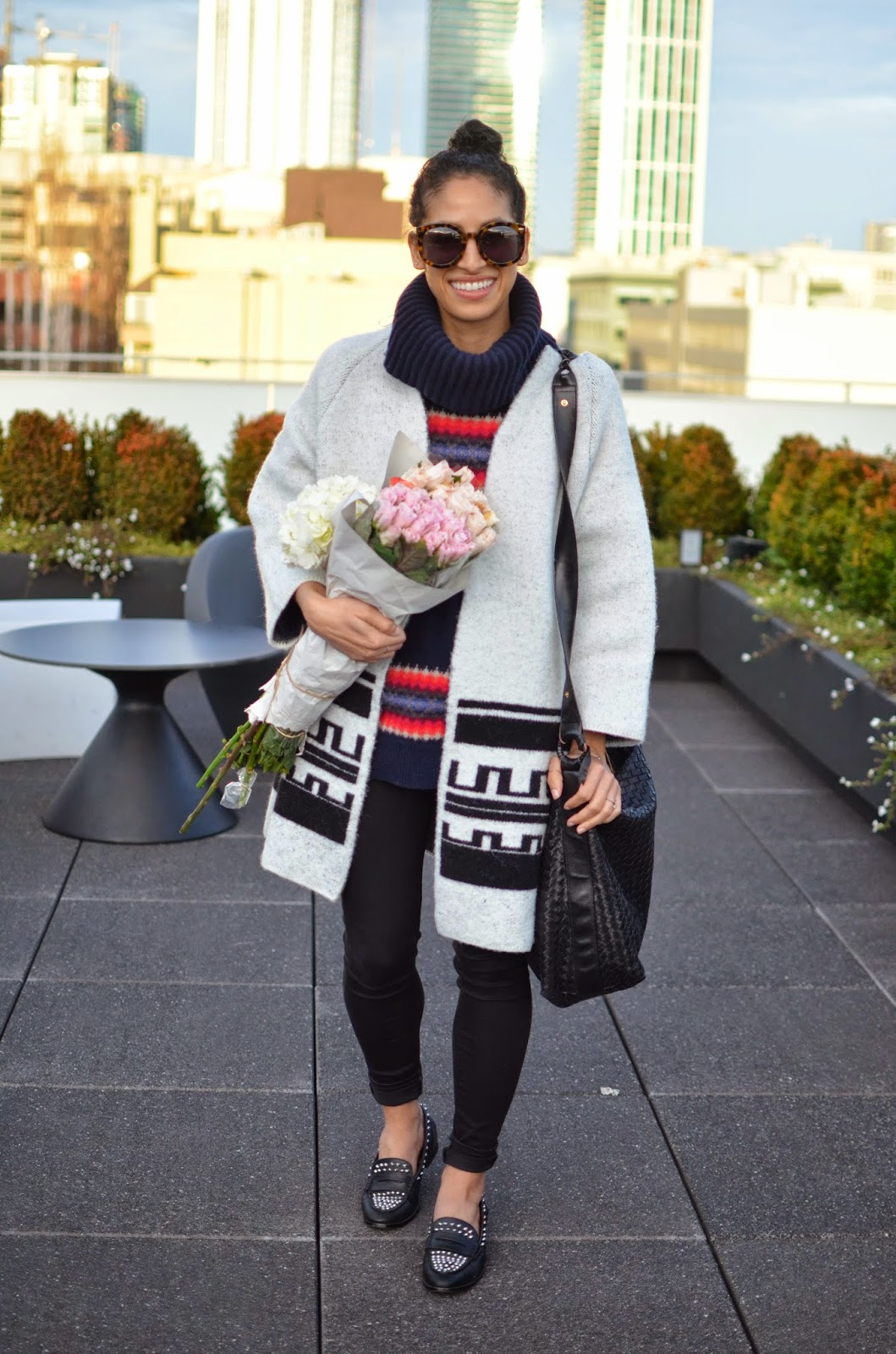 zara, white coat, how to wear contrasting prints, pink roses, bottega vendetta, leather handbag, Karen Walker Super