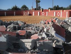 Derribo de la plaza de torturas de Mazarrón (14-1-2011):