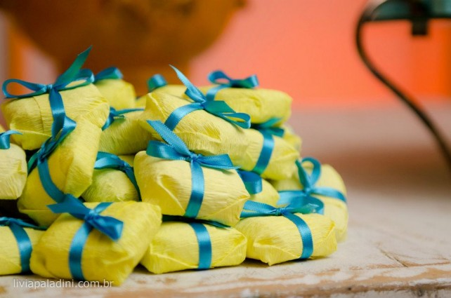 decoracao de igreja para casamento azul e amarelo : decoracao de igreja para casamento azul e amarelo:no Jardim {Casamentos e Inspirações}: Decoração Amarelo + Azul