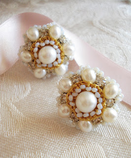 silver and gold pearl wedding posts