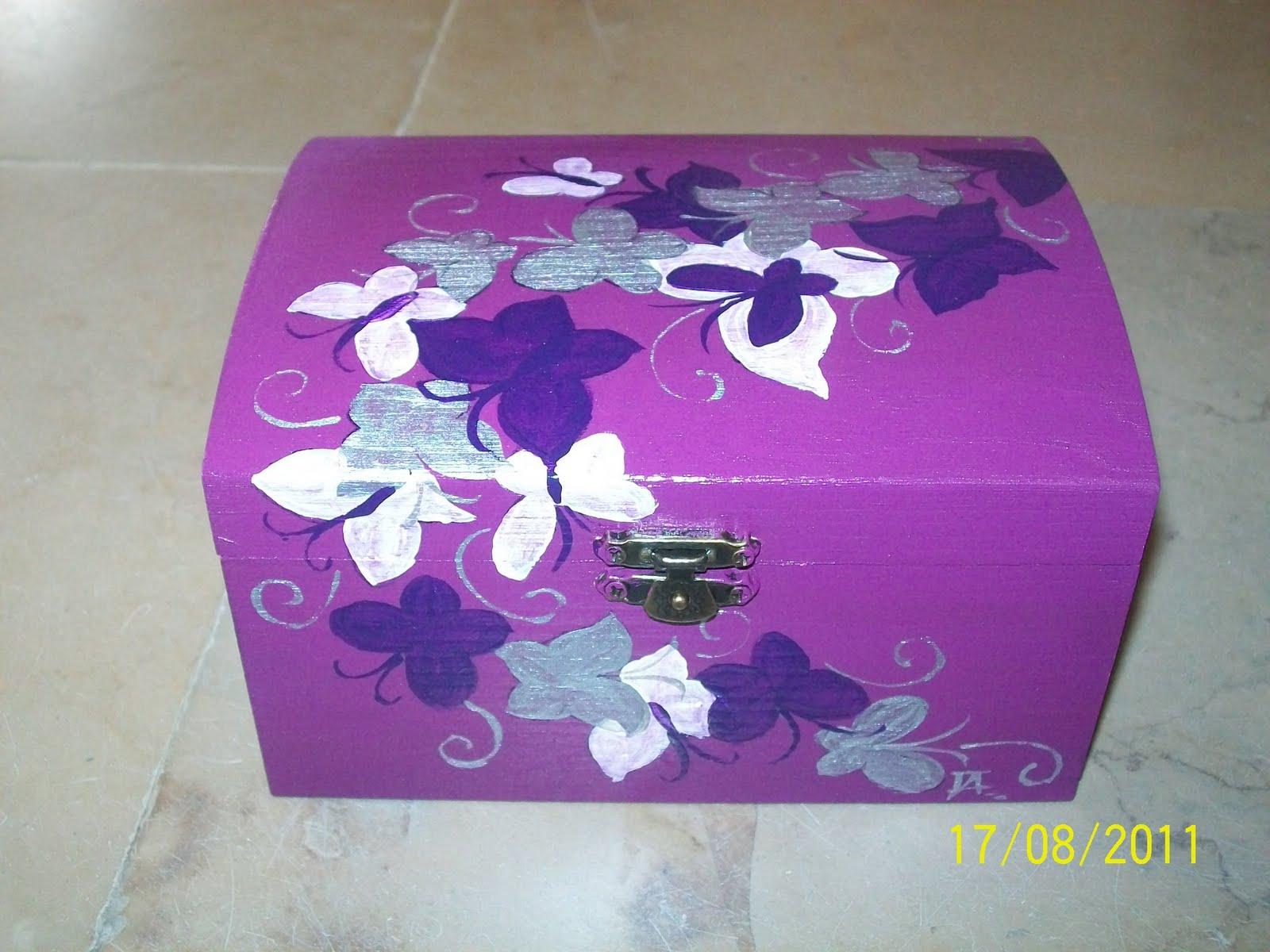 caixa de madeira pintada à mão #8B3299 1600x1200