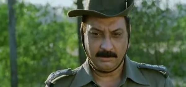 Paan Singh Tomar (2012) Full Hindi Movie 300MB Compressed PC Movie Free Download