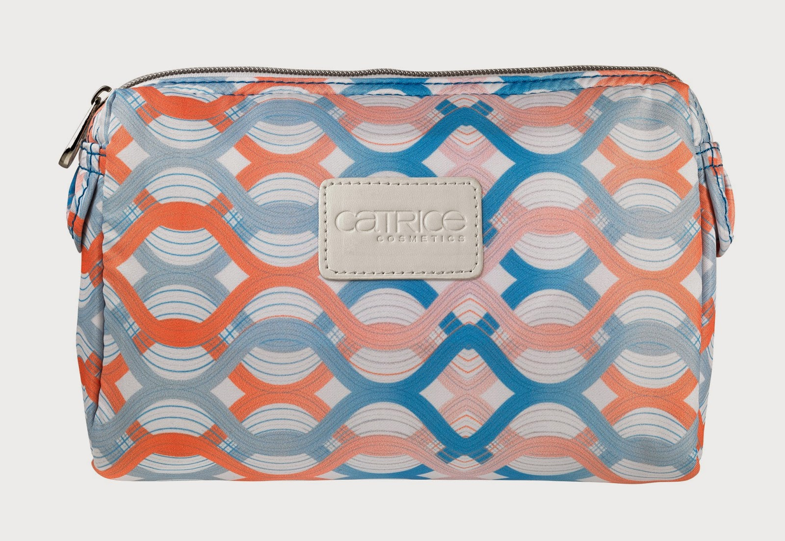Travel De Luxe by CATRICE – Cosmetic Bag - www.annitschkasblog.de