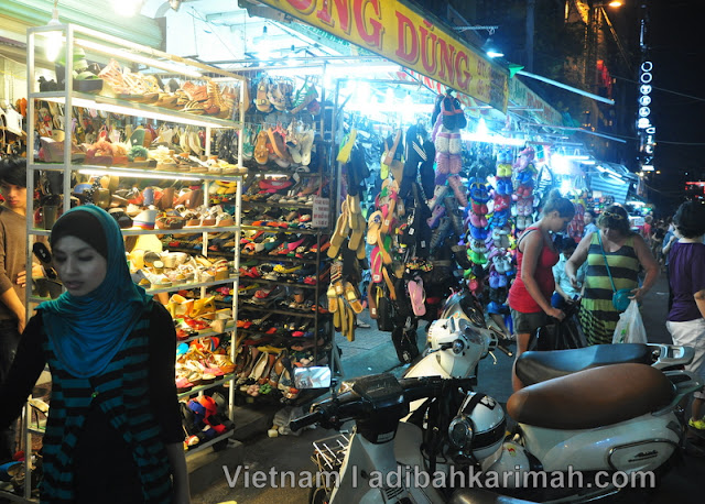 Free holiday to Ho Chi Minh City Vietnam for premium beautiful night market view
