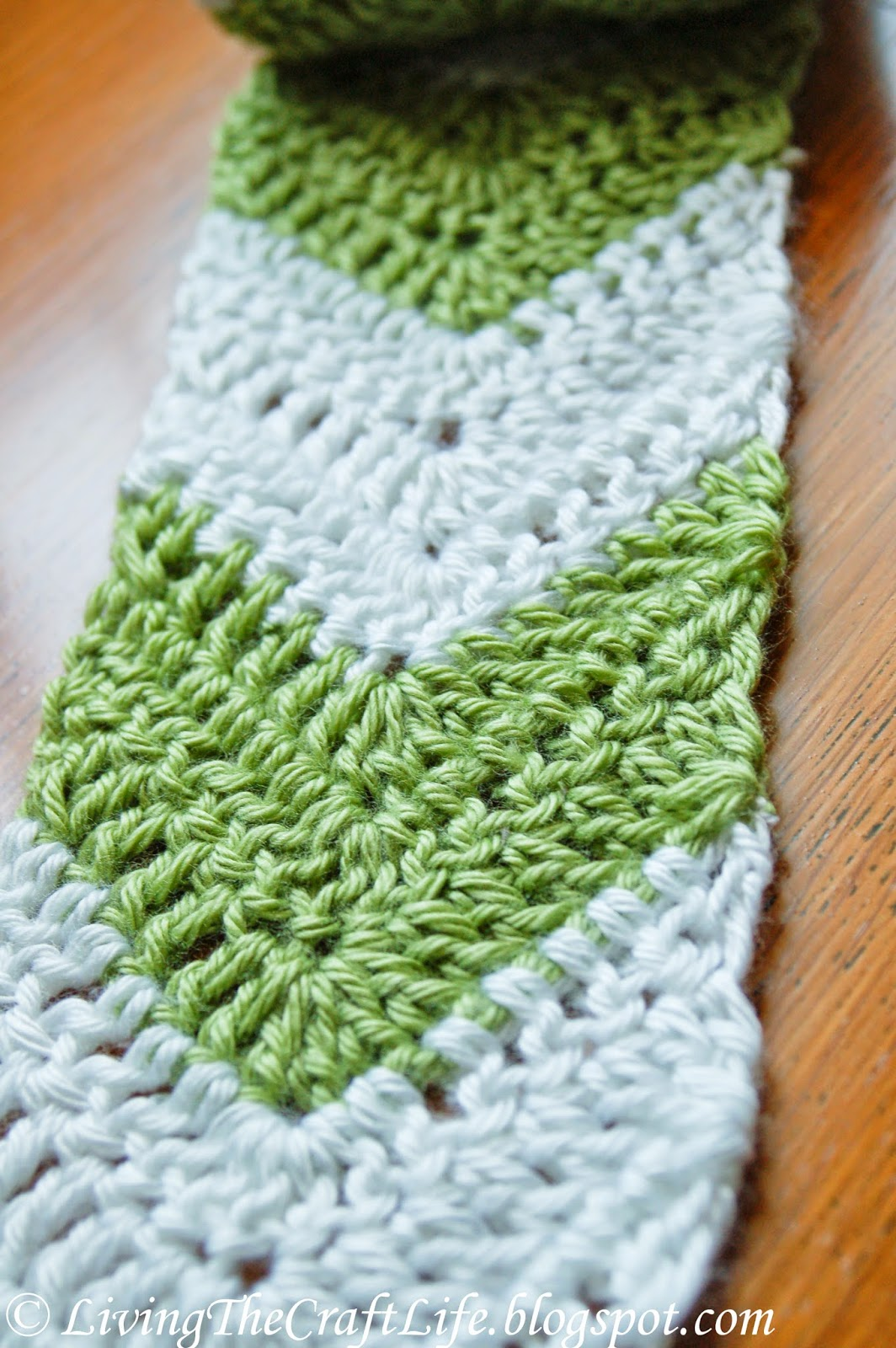 Crochet Scarf Patterns Worsted Weight : Living the Craft Life: Chevron Arrow Skinny Scarf - Free ...
