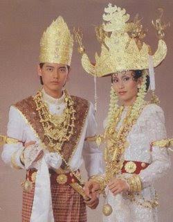 Paskibra, Paskibraka, Pakaian adat Lampung