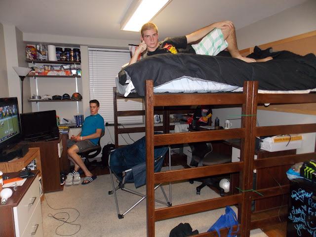 Mizzou cribs hudson hall 39 s coolest pads on campus Dorm room setups